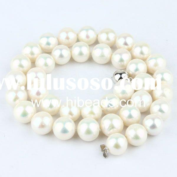 White Freshwater pearl necklace with 14k gold clasp Pearl-jewelry-88-0040