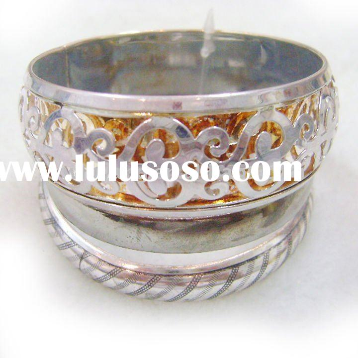 fashion bracelet made of zinc alloy as clothing accessories