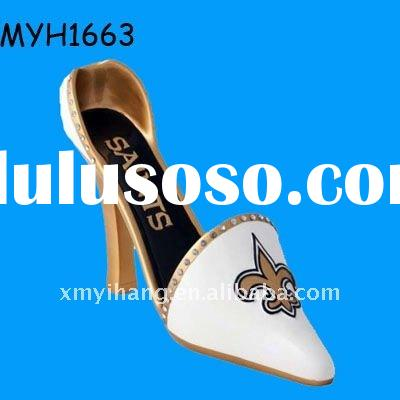 2011 new fashion polyresin new Orleans saints high heel wine bottle holder