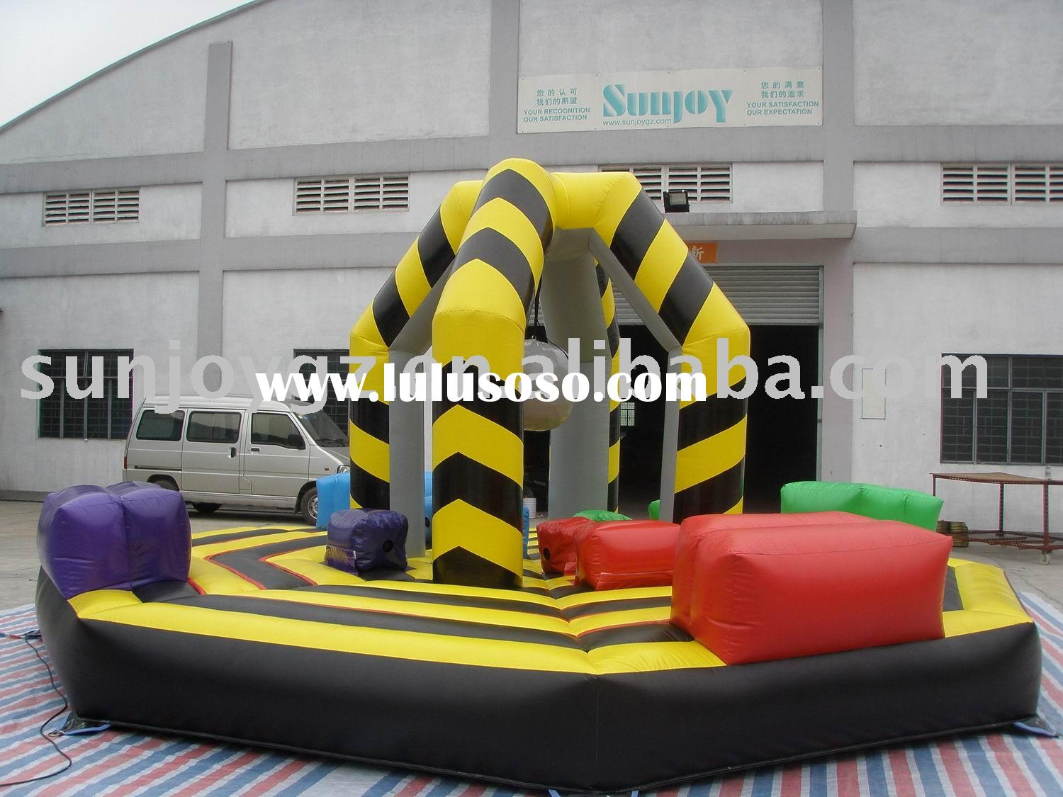 Inflatable human wrecking ball (inflatable sports game)