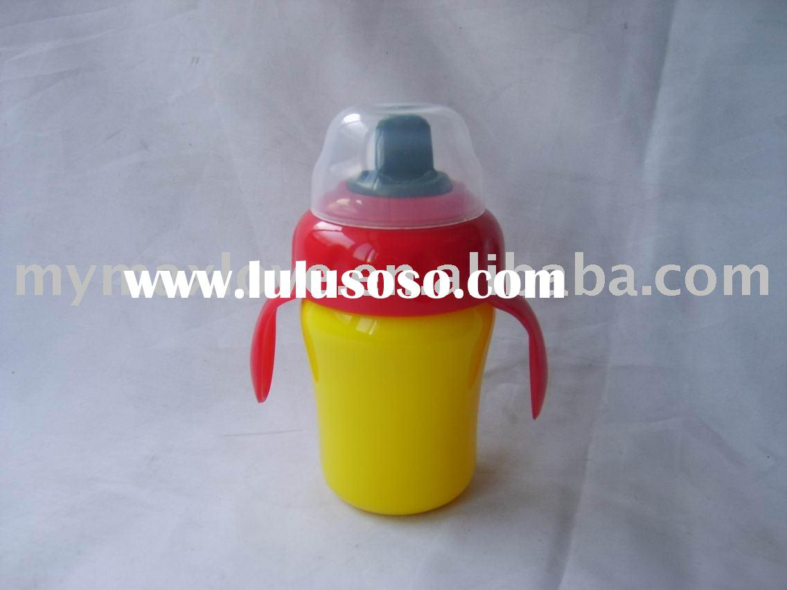 baby sippying training drinking cup with handle