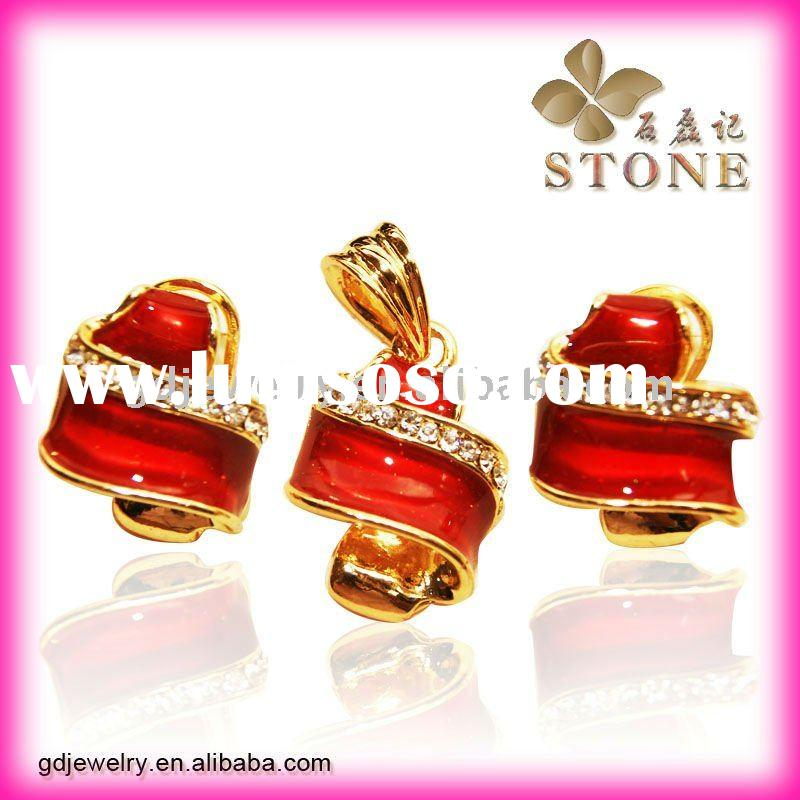 2012 fashion jewellries gold plated necklace jewelry sets