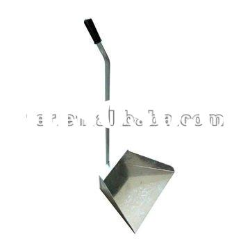 209214 METAL DUSTPAN LONG HANDLE