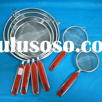 mesh strainer with plastic handle