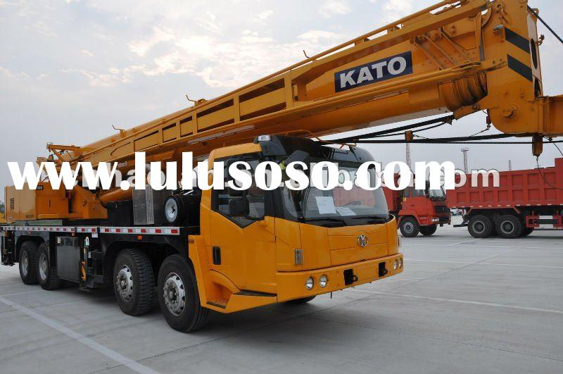 used kato truck crane 55ton sale in Dubai in machinery