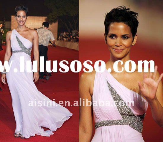 Halle Berry look in Marchesa at the Shanghai Film Festival red carpet dress