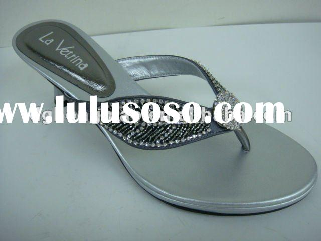 Picture of women flat shoes, fashion shoes for 2012 for women, latest flat shoes for women 2012