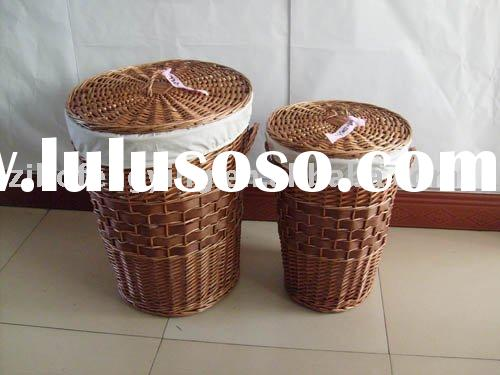 Classic elegant handmade woven synthetical rattan basket with cover