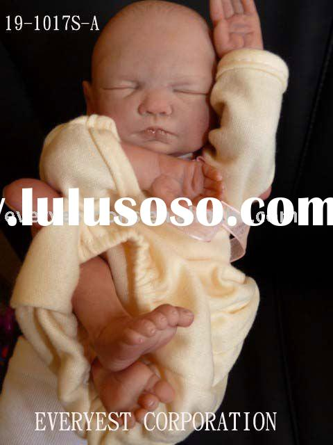 Silicone reborn baby dolls with adorable doll clothes for sale
