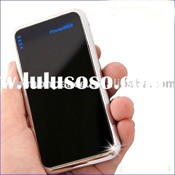 Portable battery charger for iPhone 4G