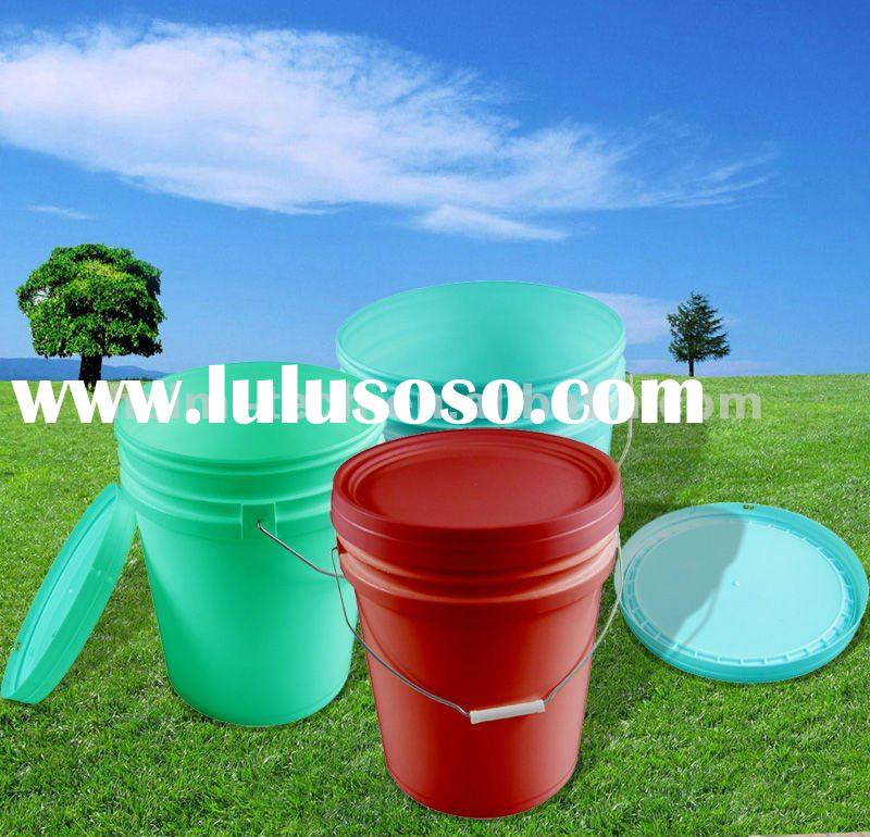 5 Gallon plastic bucket with spout