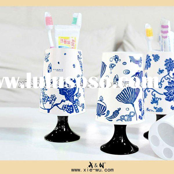 Chinese blue and white plastic tooth brush tooth paste kit/lamp shaped wash set/bathroom items