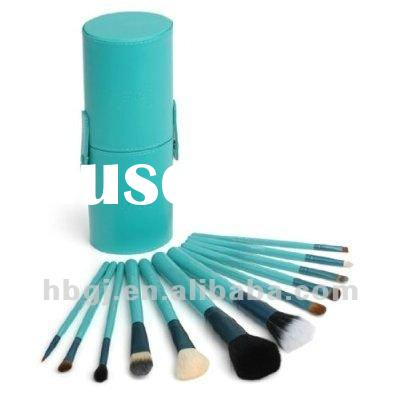Standard cylinder makeup brush roll