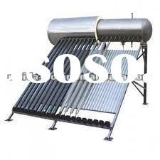 Compact pressurized solar water heater with heat pipe