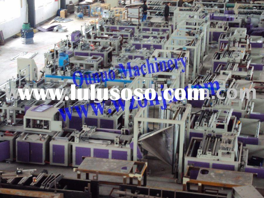 Non-woven fabric side-gusset and bottom-gusset bag making machine