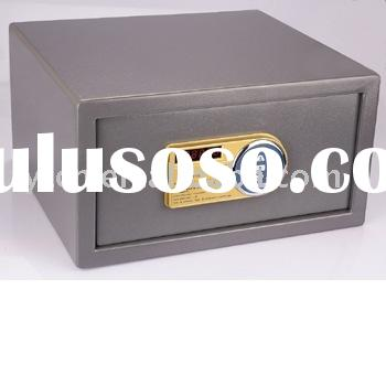 Electronic combination lock safe