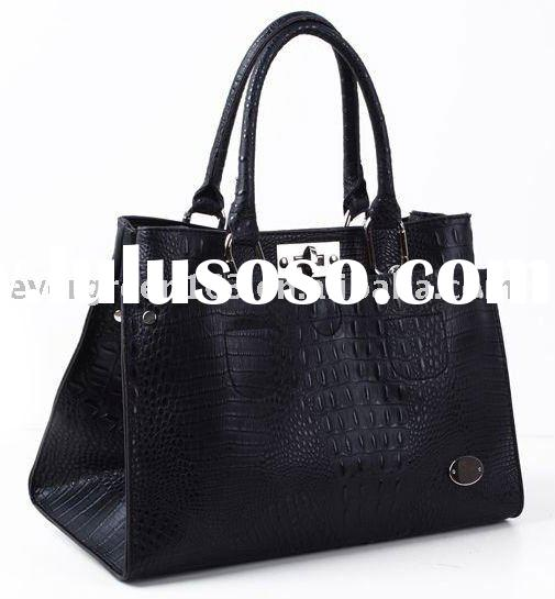 NEW brand name handbag (710)