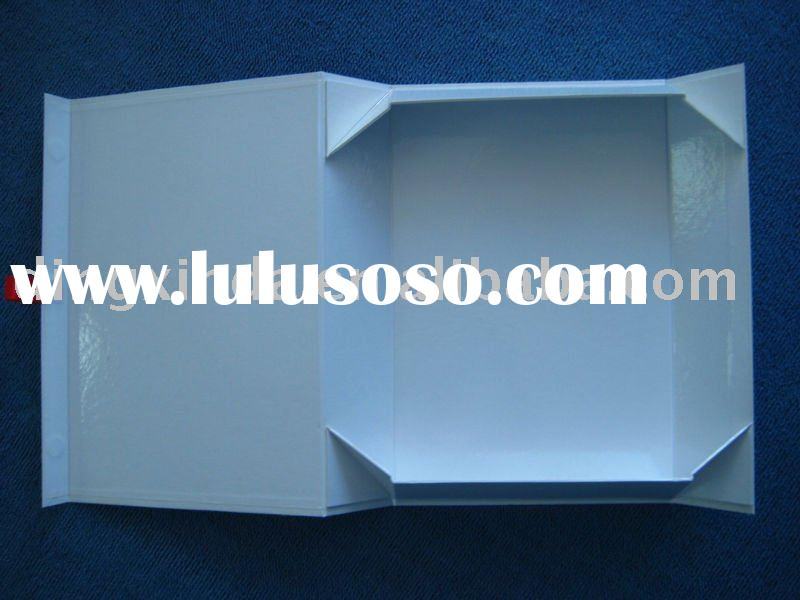 Foldable paper T-shirt packaging box