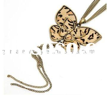 Fashion Jewelry Necklace With Animal Leopard Print Butterfly Pendant