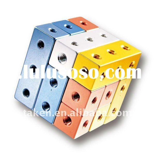 Educational Toy Soma Cube Puzzle for Brainstorming