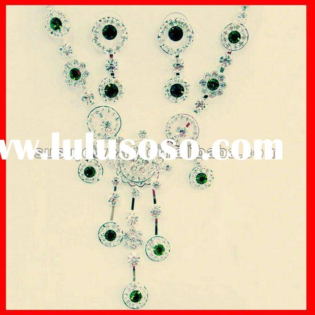 Stunning Vintage costume jewelry sets Emerald jewelry sets