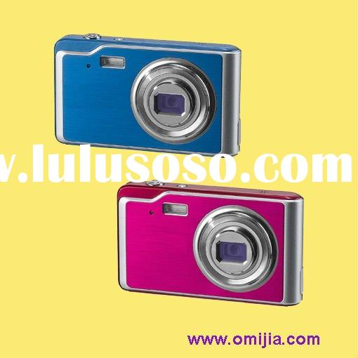 Camera Digital 12MP with Li-ion battery & smile detection (TDC-90Y2)