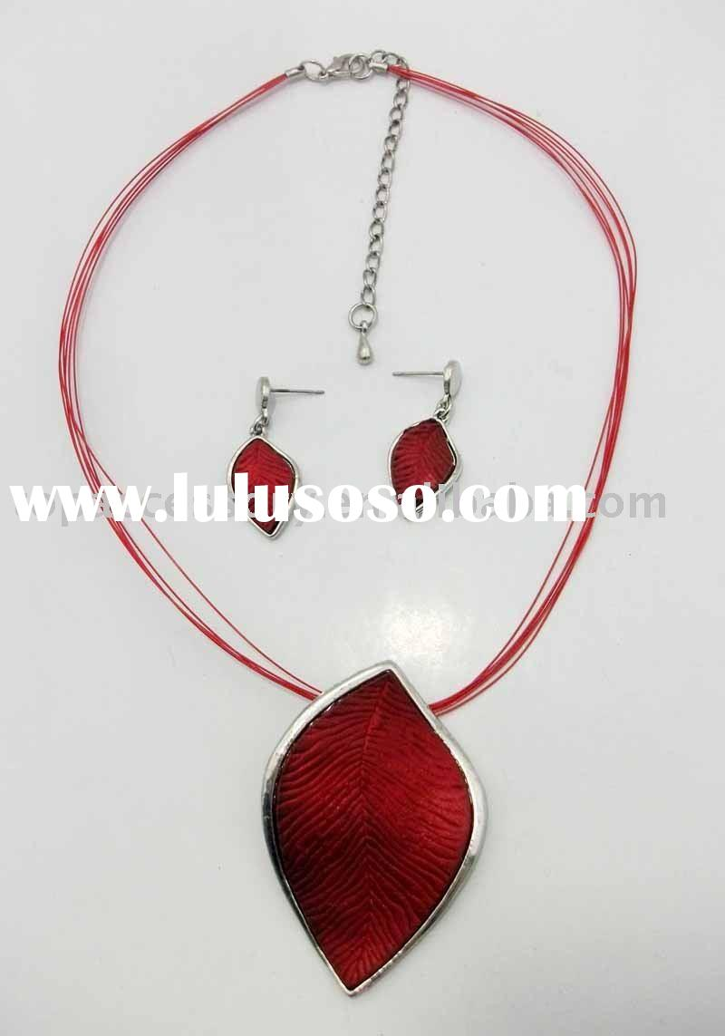 Red Fashion Necklace Set
