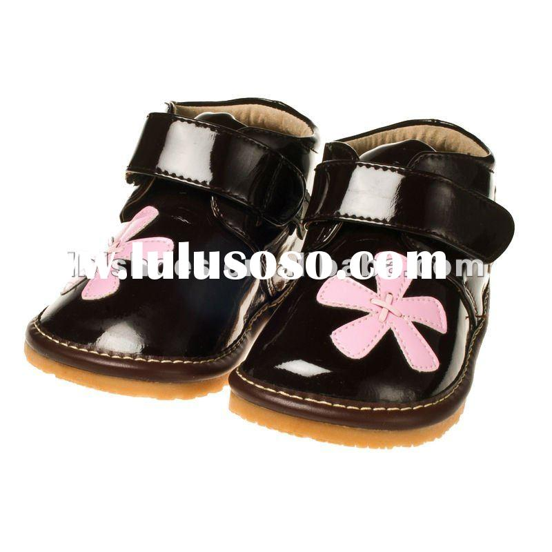 Dasiy flower attached infant girls' leather toddler squeaky shoes winter boots brown SQ-WG10