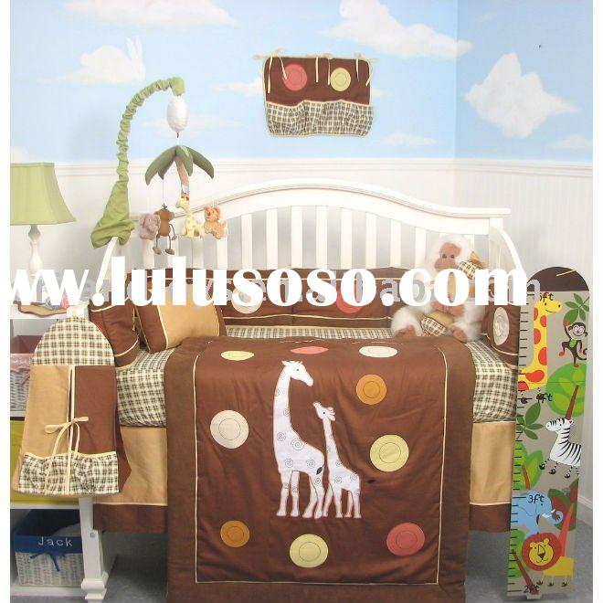 100% high quality cotton embroidery giraffe baby bedding/baby quilt