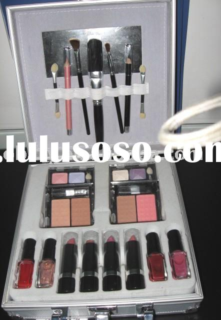 Beauty case with make-up