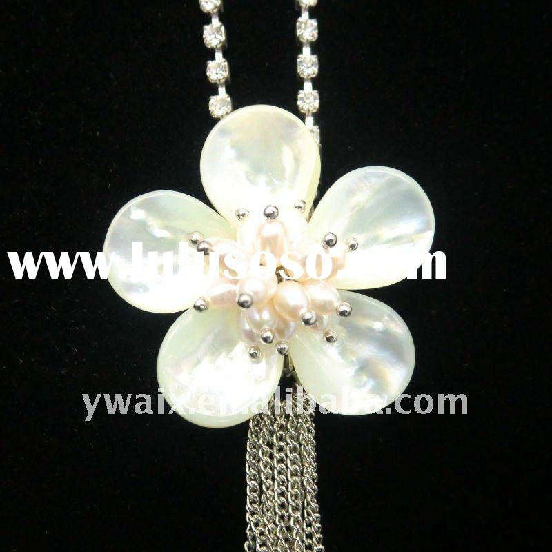 Latest moldel long chain necklace pearl necklace designs