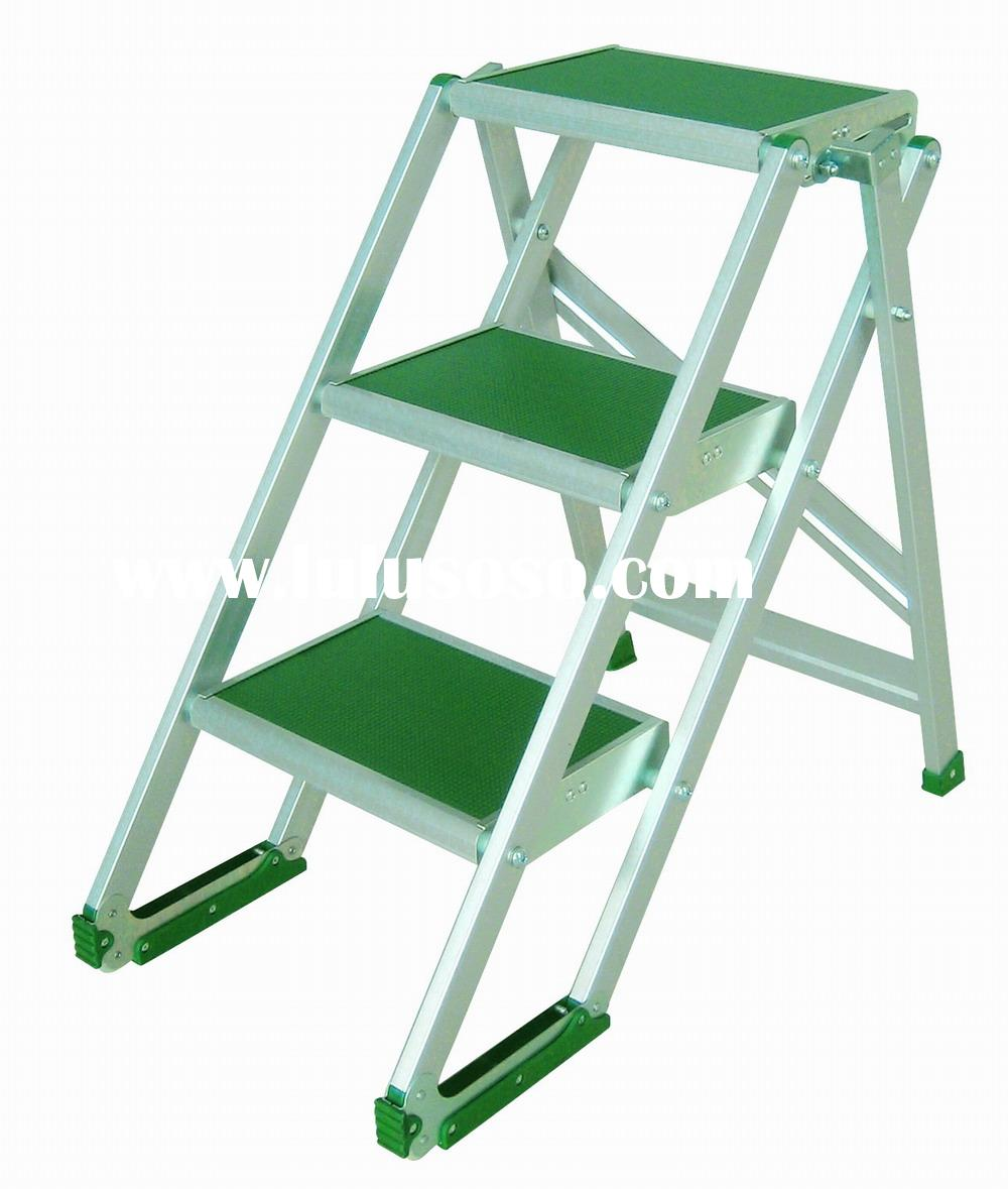 MT-3 broad step ladder