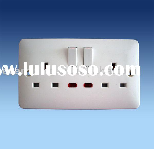 Two gang UK type 13A wall switch socket with light