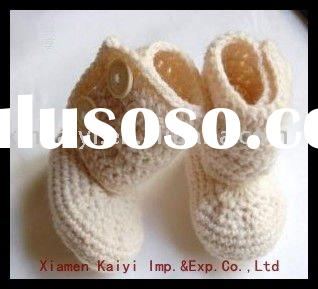 white color crochet baby shoes in high quality