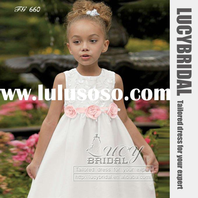 Dramatic A-line 3D Flower Taffeta Flower Girl Dress FG660