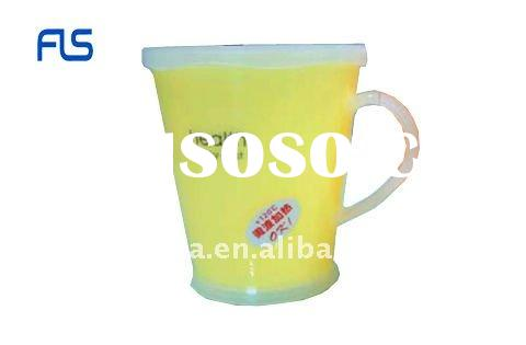 Plastic double wall cup with lid