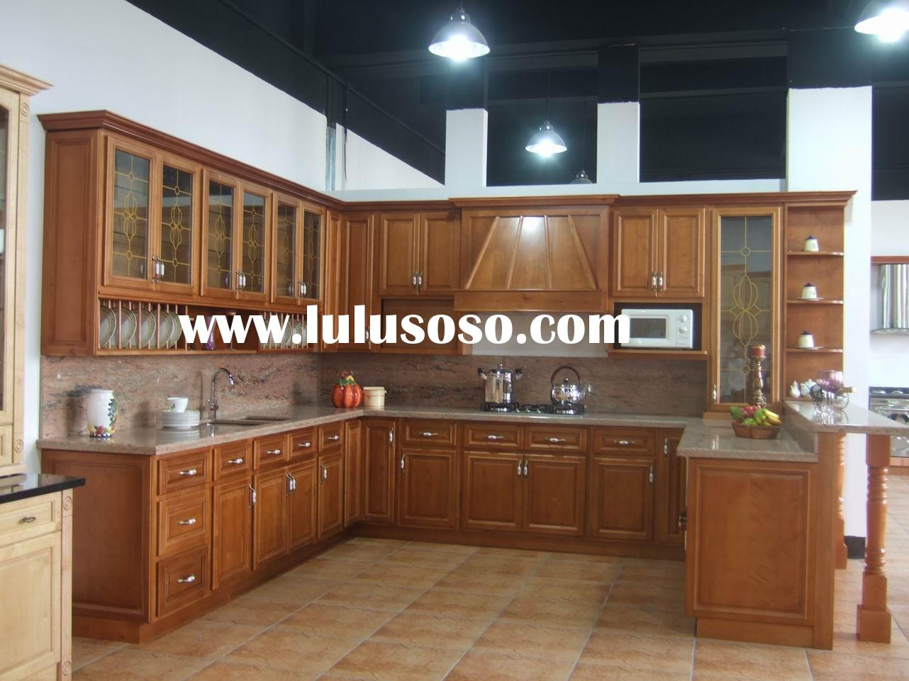 Solid Cherry Wood Kitchen Cabinets with Granite Countertop and