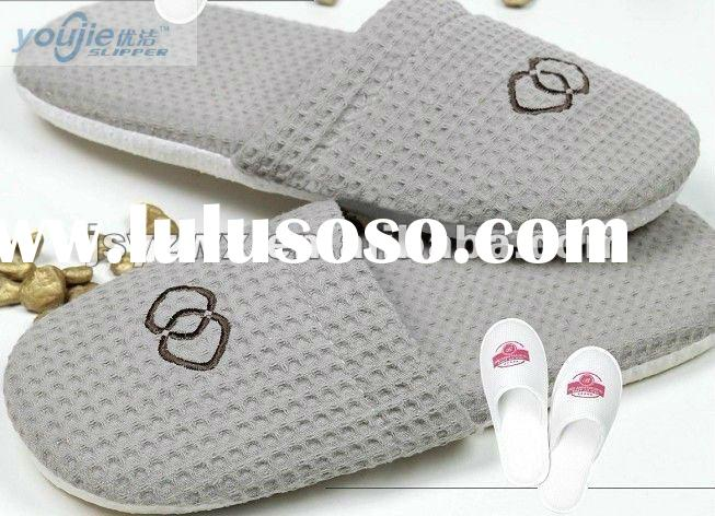 luxury hotel waffle slippers for men 2012