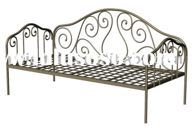The morden Wrought Iron Metal Furniture Bed