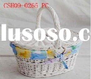 white wicker empty picnic basket with lid and cloth liner