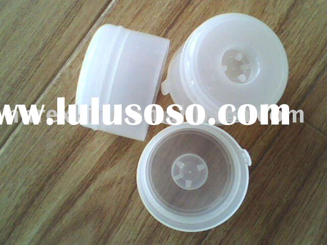 White 5 gallon plastic water bottle cap