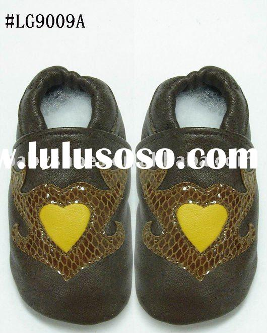 fashion comfortable soft sole sheepskin baby shoes