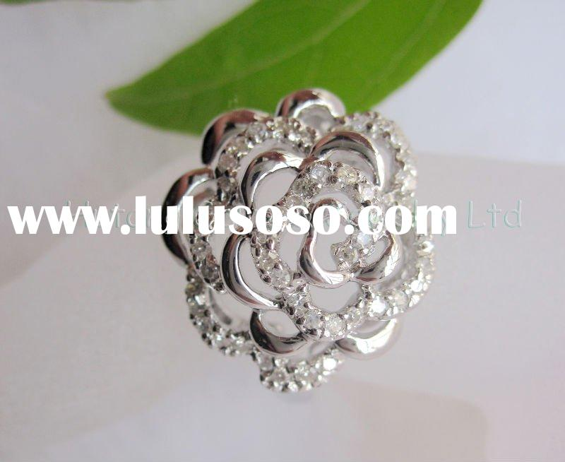 Fashion gold Jewelry:flower-shape ring with gemstone SR4361