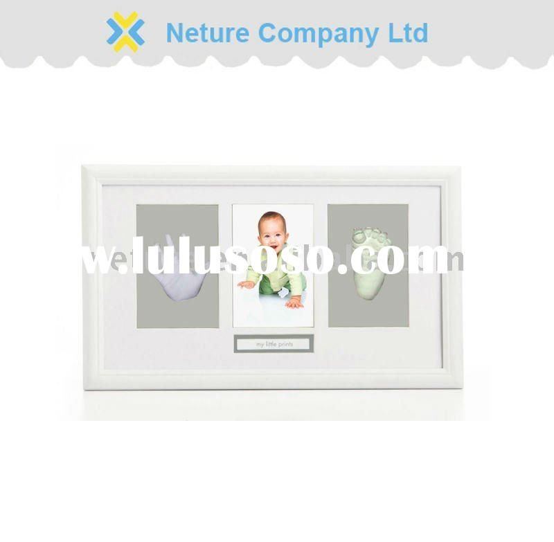Baby hand casting kit with photo frame