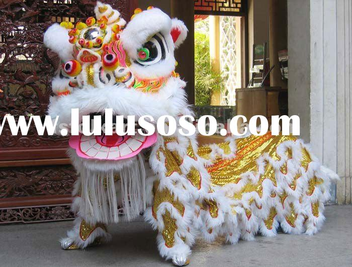 South Lion Dance Set with Lion Head, Collar, Quilt, Trousers and Shoes with Wool in White Color_Fosh