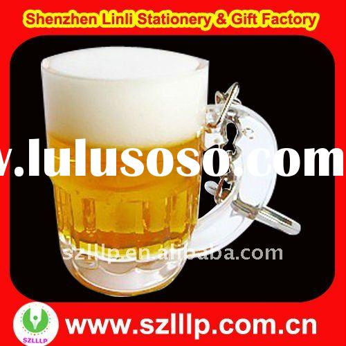 Supply beer glass shaped acrylic oil filled keychain for promotion