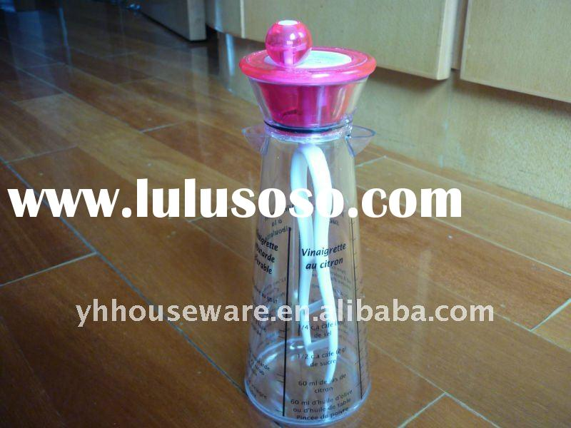 customed plastic salad shaker bottle