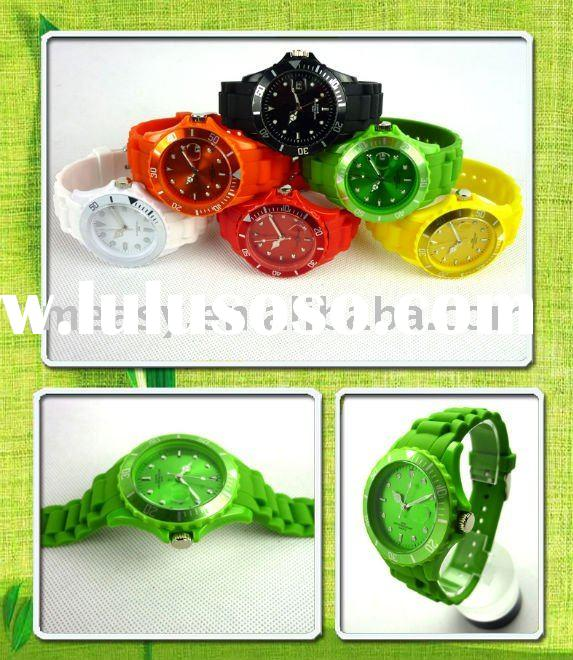 hot selling plastic watches for men and women