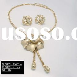 2011 Alloy gold plated fashion jewelry with new design