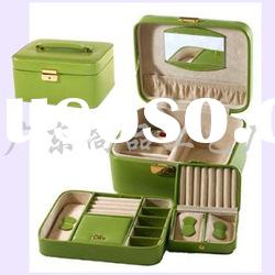 leather travel jewelry box/ carrying vanity case